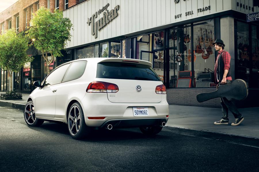 2012 Volkswagen GTI Photo 4 of 10