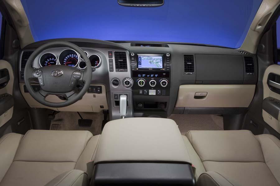 2012 Toyota Sequoia Photo 4 of 7