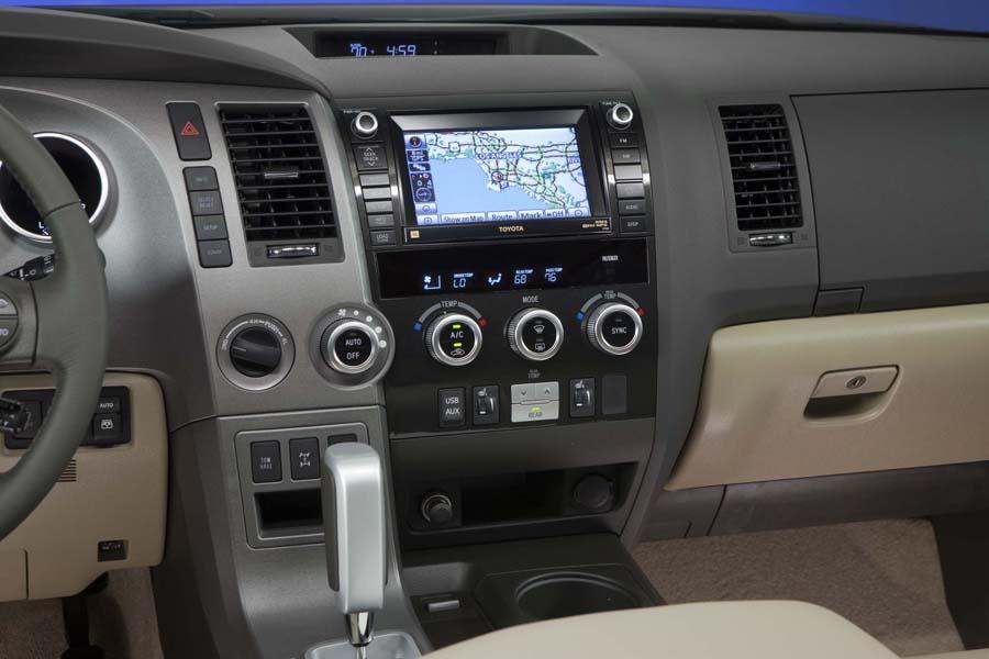2012 Toyota Sequoia Photo 5 of 7