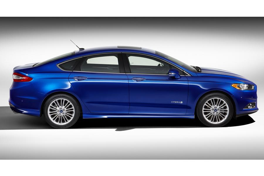 2013 Ford Fusion Hybrid Photo 4 of 10