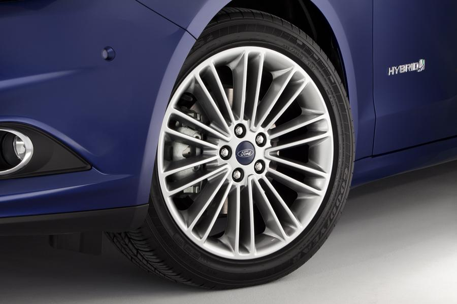 2013 Ford Fusion Hybrid Photo 5 of 10