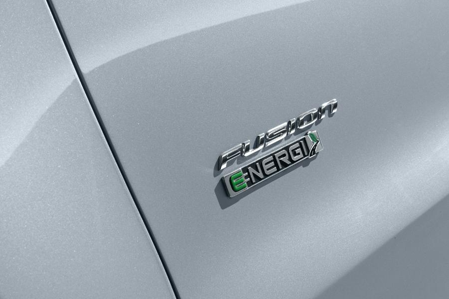 2013 Ford Fusion Hybrid Photo 6 of 10