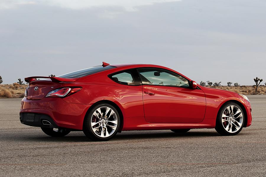 2013 Hyundai Genesis Coupe Overview Cars Com