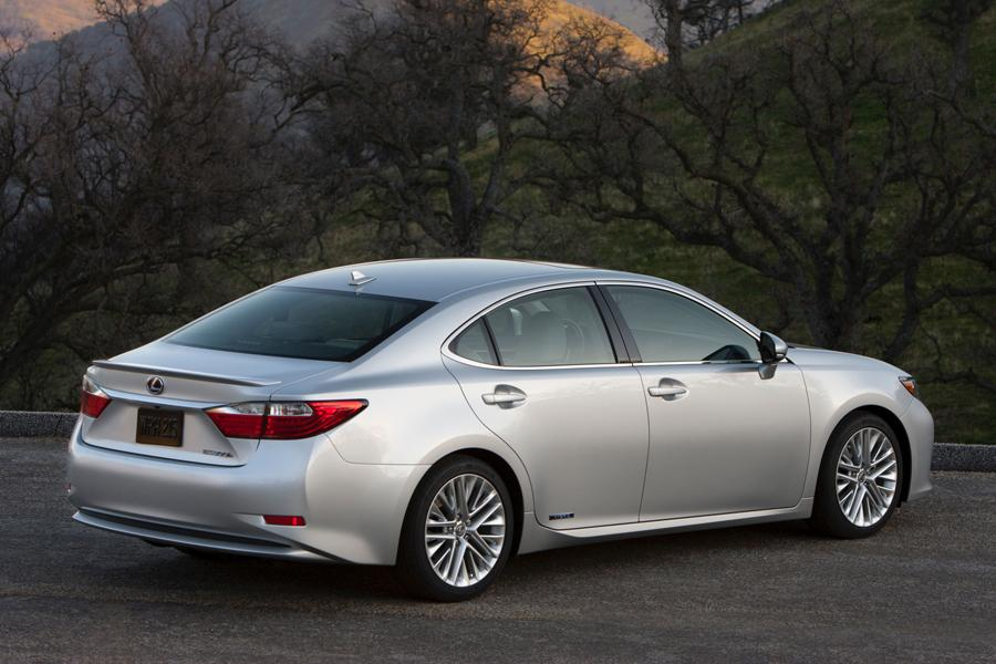 2013 Lexus ES 300h Photo 3 of 14