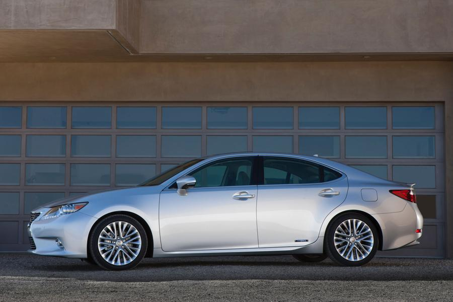 2013 Lexus ES 300h Photo 4 of 14