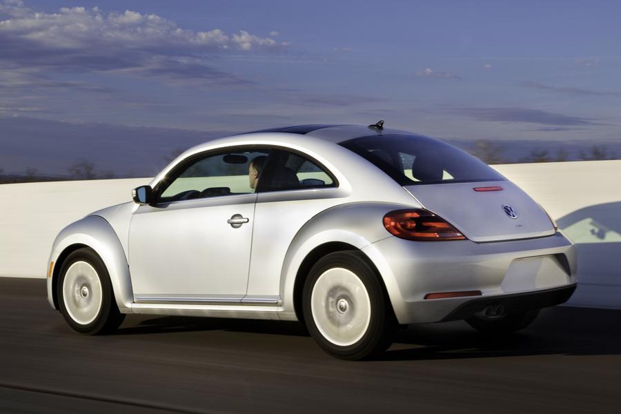 2013 Volkswagen Beetle Photo 3 of 6