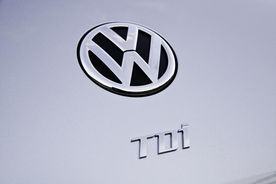 2013 Volkswagen Beetle Photo 5 of 6