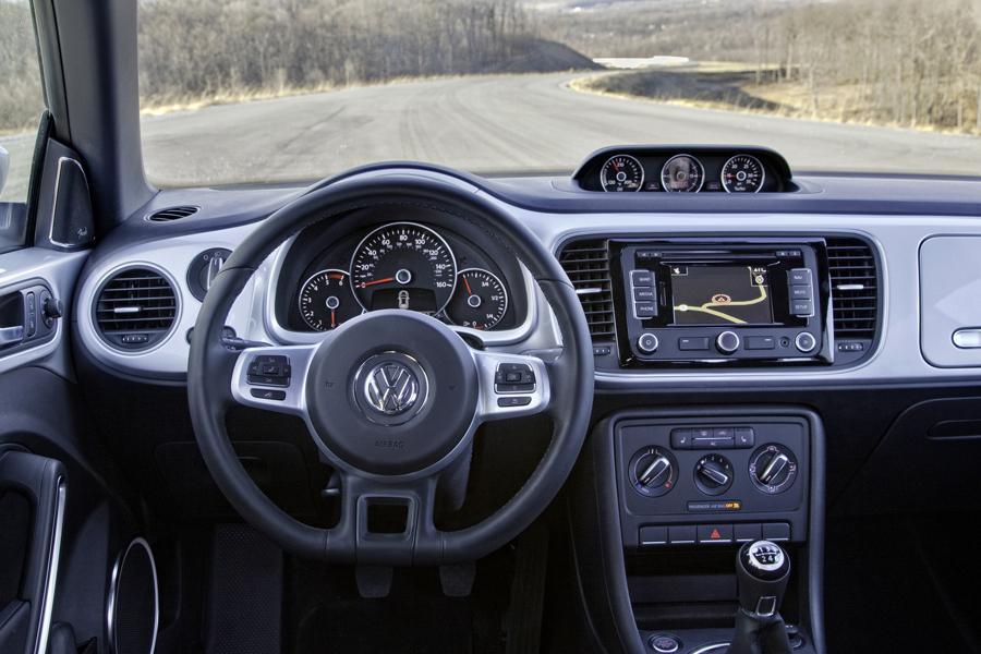 2013 Volkswagen Beetle Photo 6 of 6