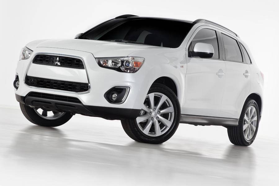 2013 Mitsubishi Outlander Sport Photo 1 of 9