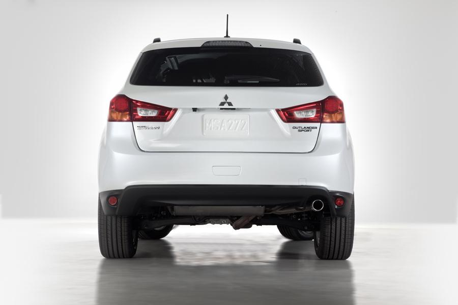 2013 Mitsubishi Outlander Sport Photo 4 of 9