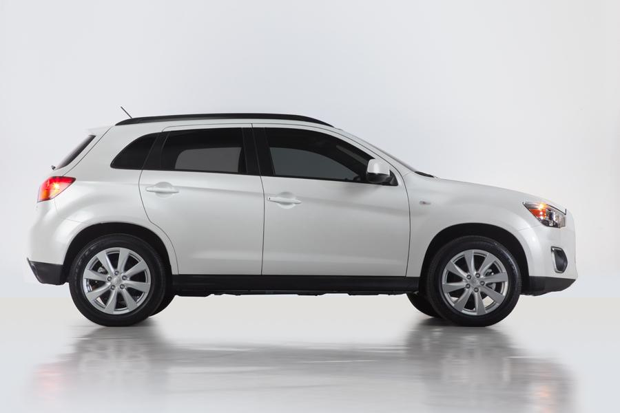 2013 Mitsubishi Outlander Sport Photo 5 of 9