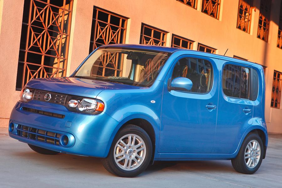 2012 Nissan Cube Photo 2 of 10