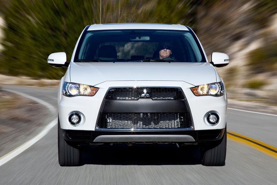 2012 Mitsubishi Outlander Photo 2 of 6