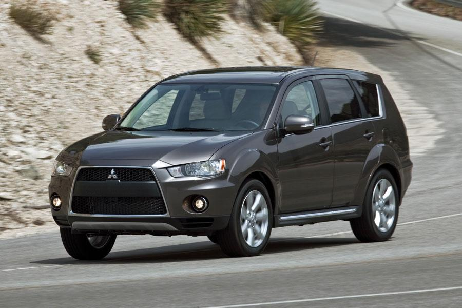2012 mitsubishi outlander reviews specs and prices carscom - 2012 Mitsubishi Outlander Se