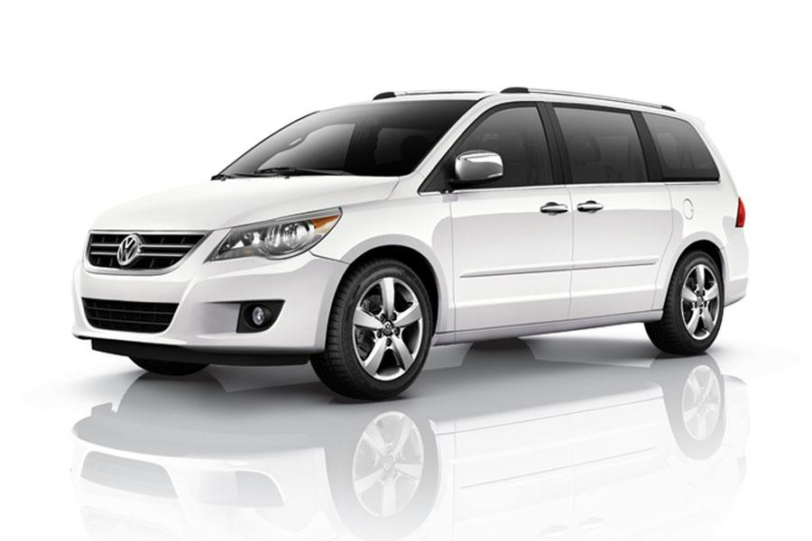 2012 Volkswagen Routan Photo 4 of 5