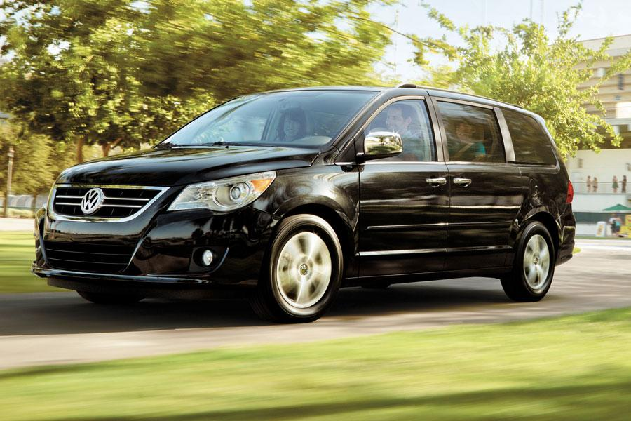 2012 Volkswagen Routan Photo 5 of 5
