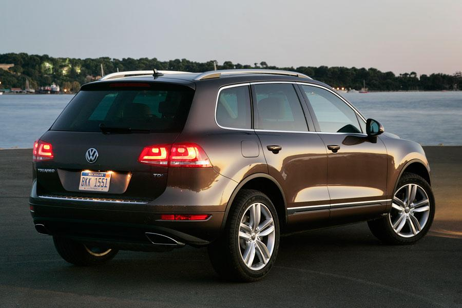 2012 Volkswagen Touareg Photo 4 of 6