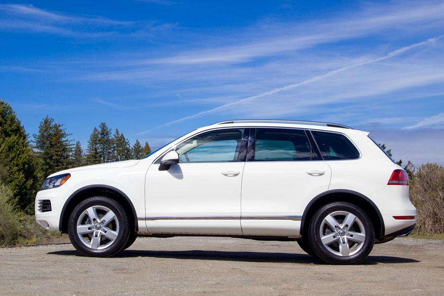 2012 Volkswagen Touareg Photo 6 of 6