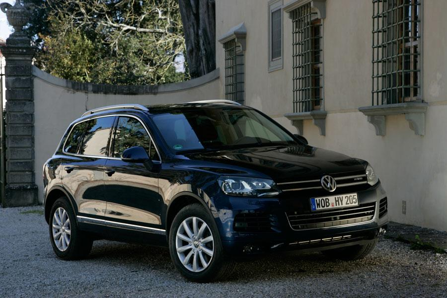 2012 Volkswagen Touareg Hybrid Photo 1 of 5