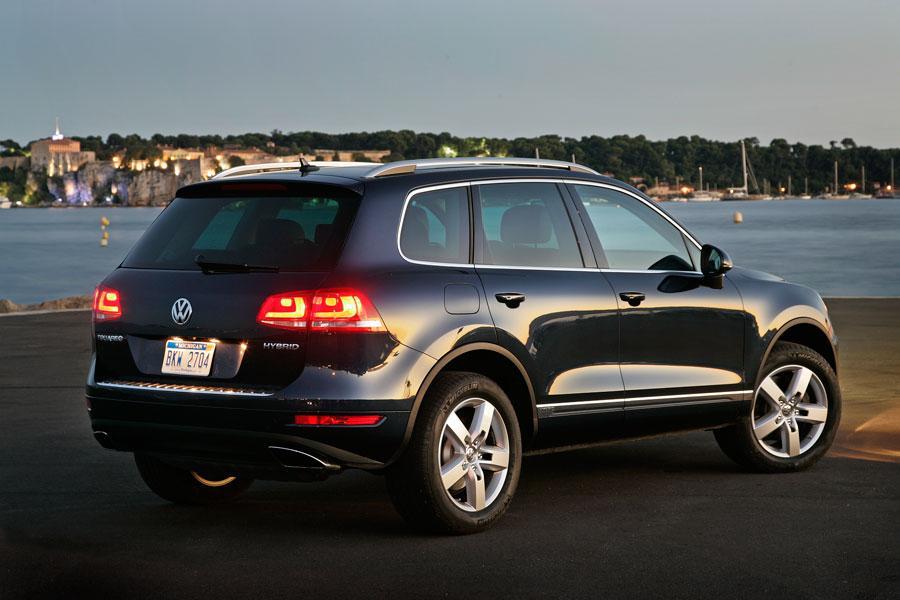2012 Volkswagen Touareg Hybrid Photo 5 of 5
