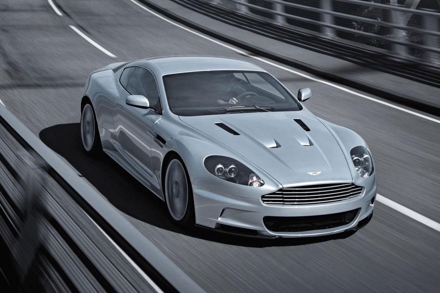 2012 Aston Martin DBS Photo 2 of 11