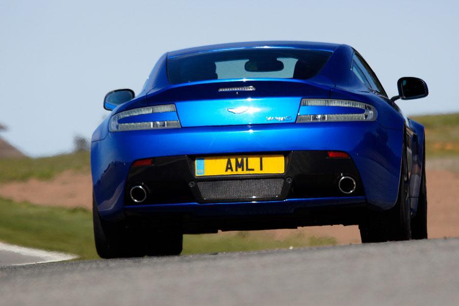 2012 Aston Martin V8 Vantage S Photo 2 of 5