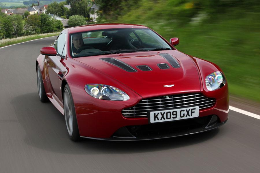 2012 Aston Martin V12 Vantage Photo 5 of 13