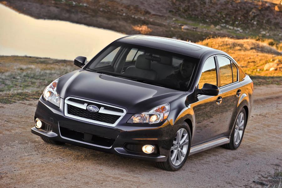 2013 Subaru Legacy Photo 2 of 14