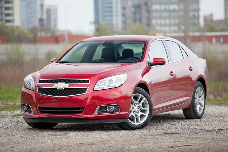 2013 Chevrolet Malibu Photo 2 of 25