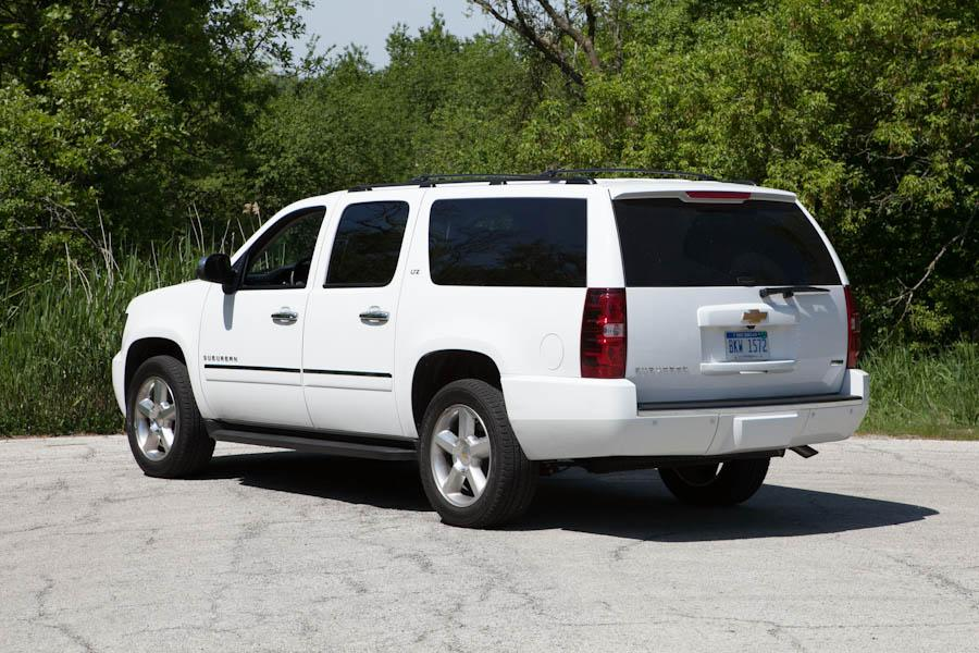 2012 Chevrolet Suburban Photo 4 of 14