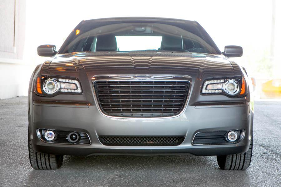 2012 Chrysler 300 Photo 4 of 21