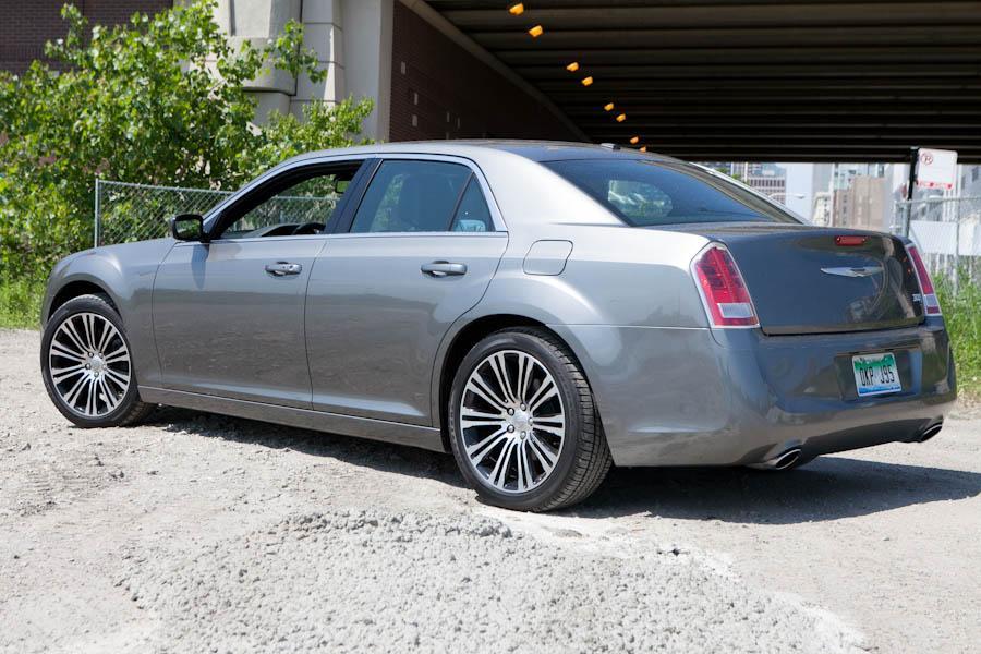 2012       Chrysler       300    Specs  Pictures  Trims     Colors       Cars