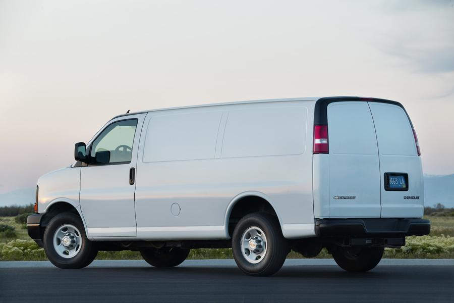 2012 Chevrolet Express 2500 Photo 2 of 4