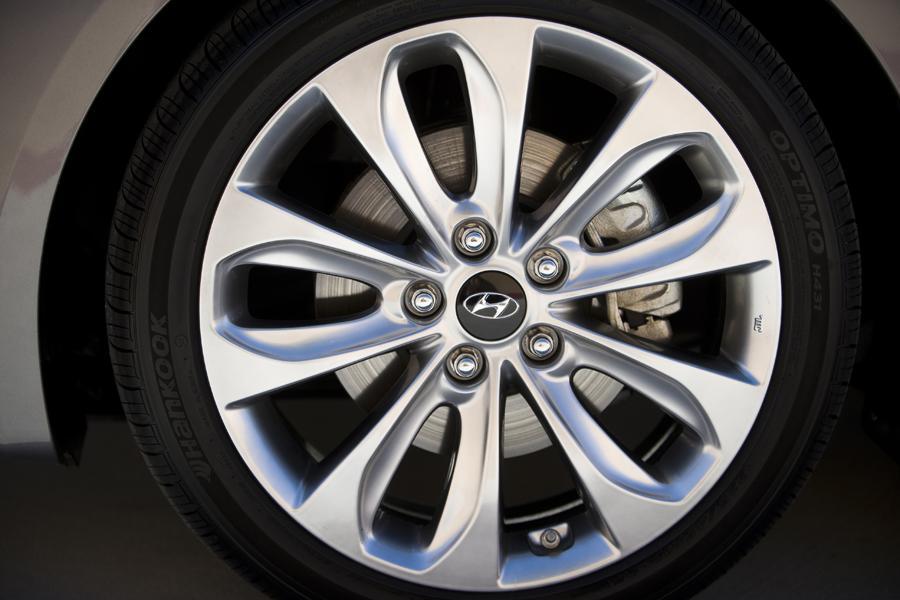 2013 Hyundai Sonata Overview Cars Com