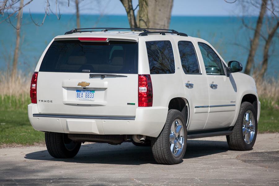2012 Chevrolet Tahoe Photo 4 of 19