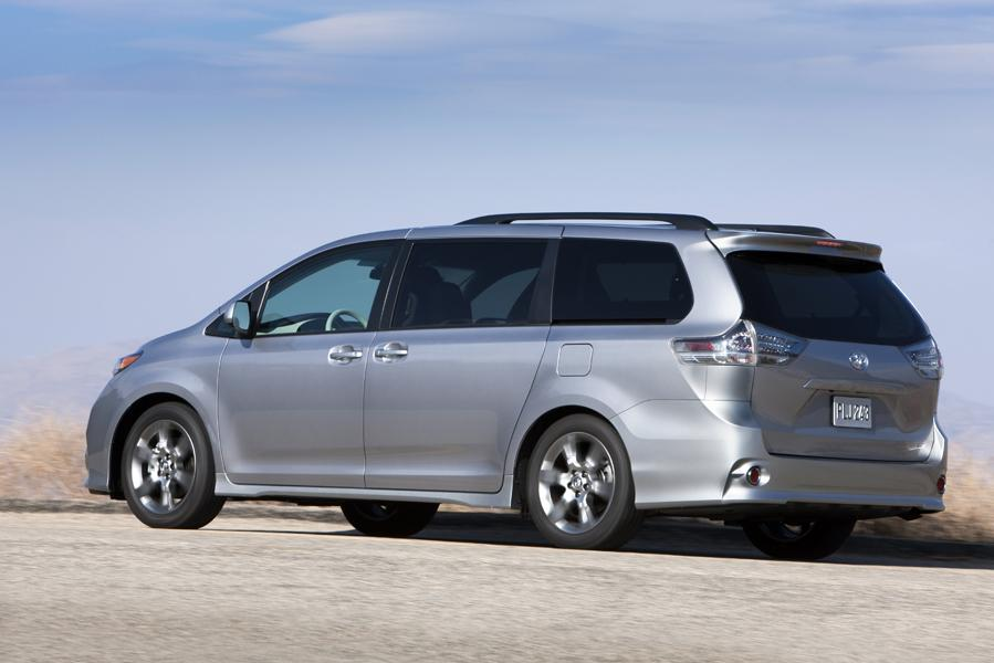 2012 Toyota Sienna Photo 5 of 20