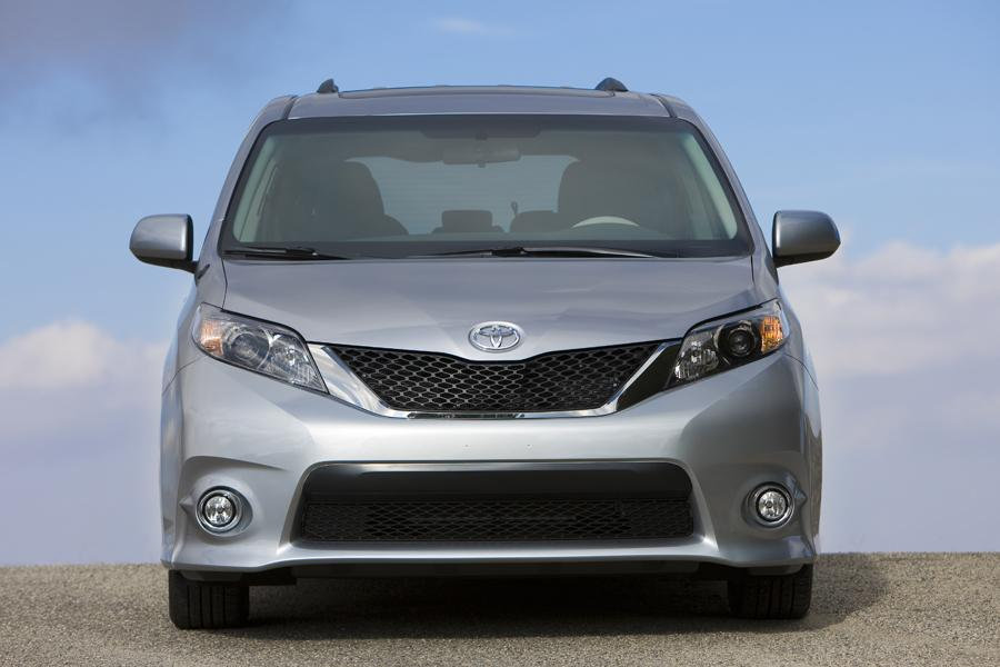 2012 toyota sienna reviews specs and prices. Black Bedroom Furniture Sets. Home Design Ideas