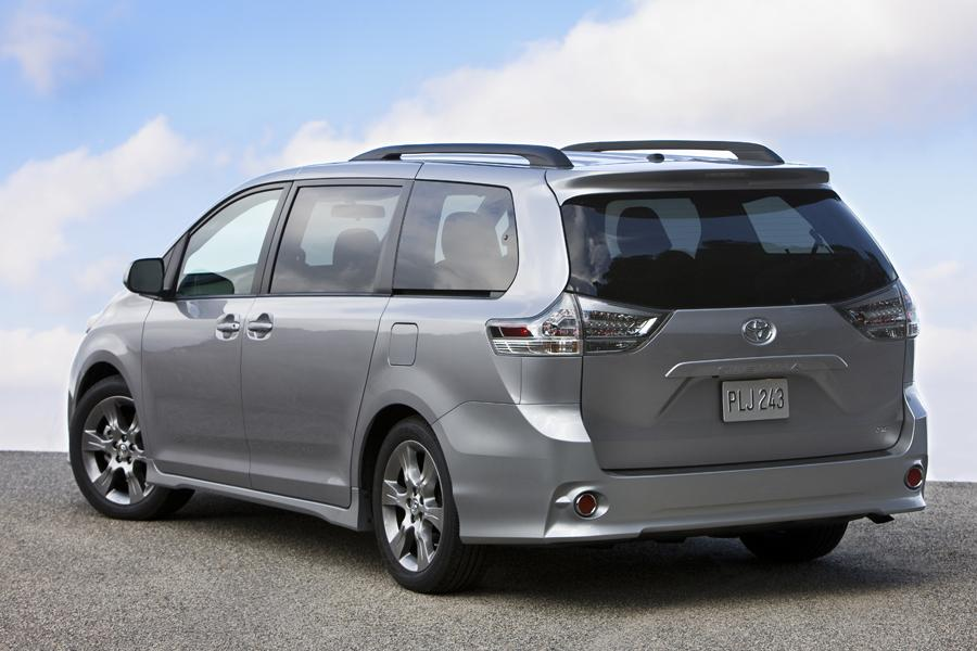 2012 Toyota Sienna Reviews Specs And Prices Cars Com