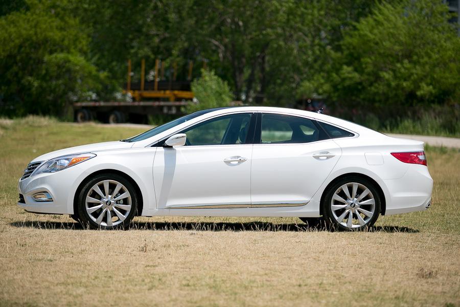 2012 Hyundai Azera Photo 3 of 20
