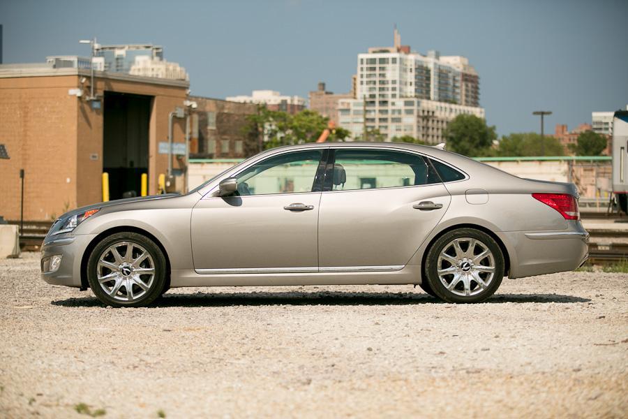 2012 Hyundai Equus Photo 2 of 21