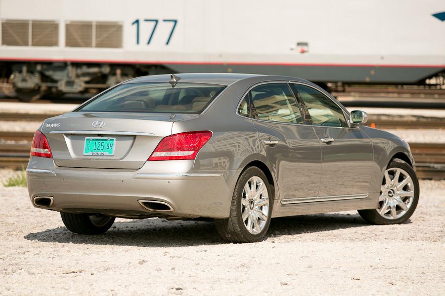 2012 Hyundai Equus Photo 4 of 21