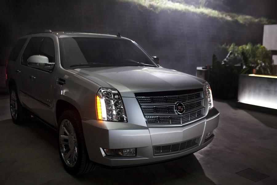 2013 Cadillac Escalade Photo 2 of 7