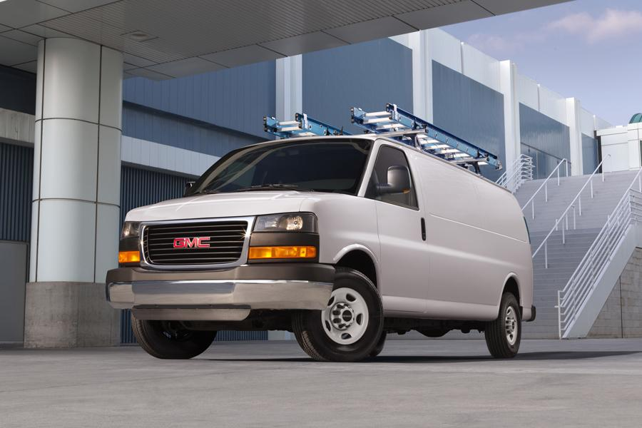 2013 GMC Savana 1500 Photo 2 of 3