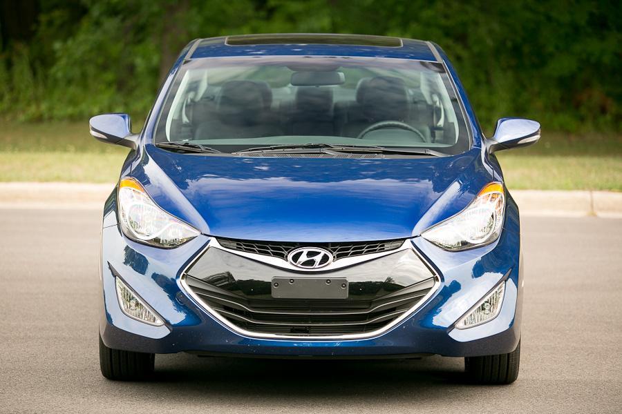 2013 Hyundai Elantra Photo 2 of 20