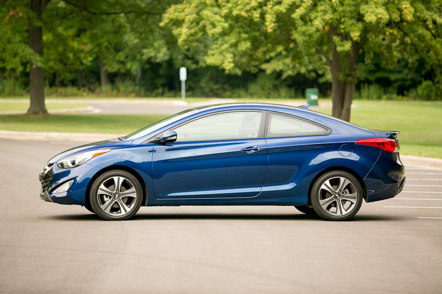 2013 Hyundai Elantra Photo 3 of 20