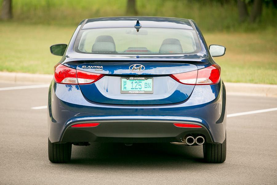 2013 Hyundai Elantra Photo 5 of 20