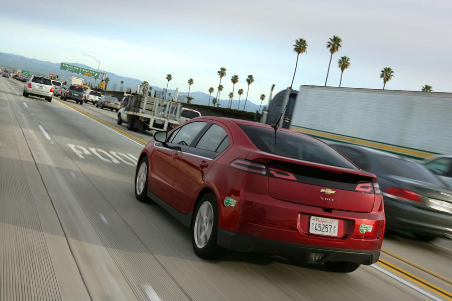 2013 Chevrolet Volt Photo 6 of 11