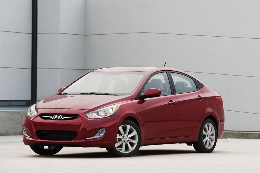 2013 Hyundai Accent Photo 1 of 13