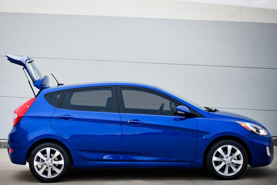 2013 Hyundai Accent Overview Cars Com