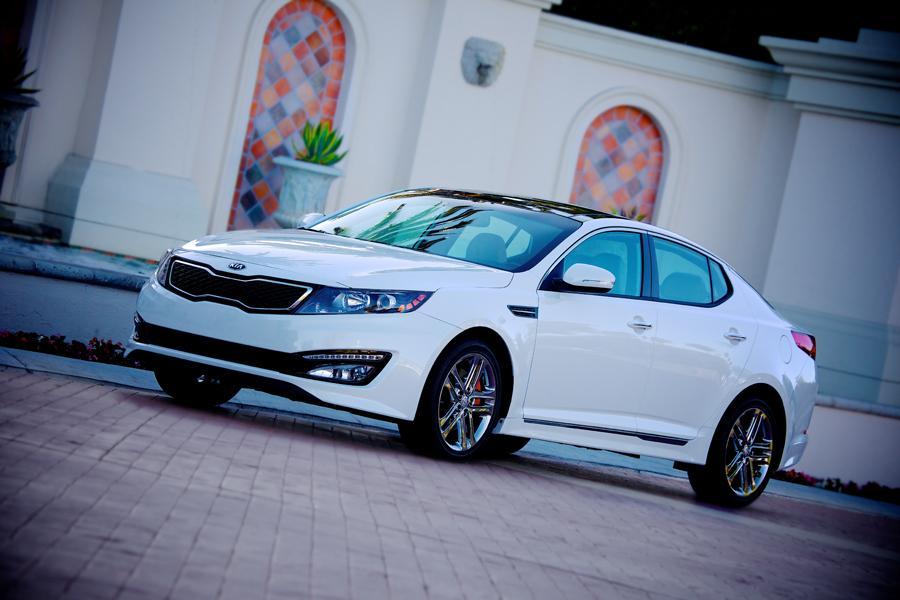 2013 Kia Optima Photo 1 of 12